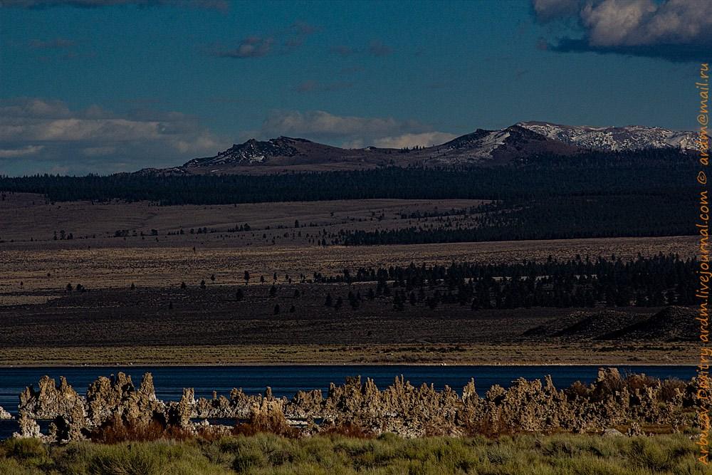Старые береговые линии озера. А когда-то над ними нависали гигантские торосы и стены ледниковых толщ