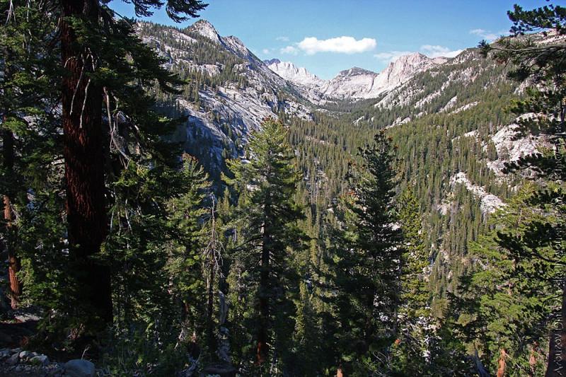 Спуск в долину Mono
