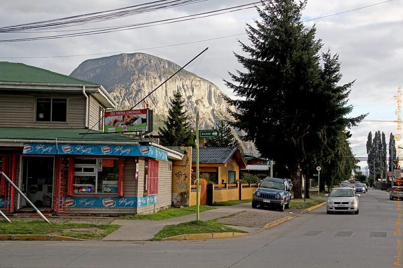 В столице провинции - Койяйке. Так выглядит, в целом, любая деревушка на этом пути