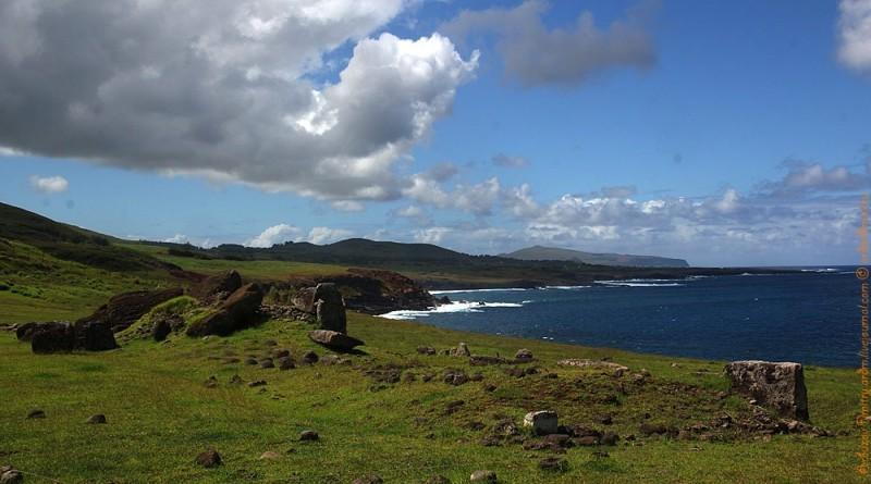 Аху Винапу. Вид на побережье в сторону горы Пойке
