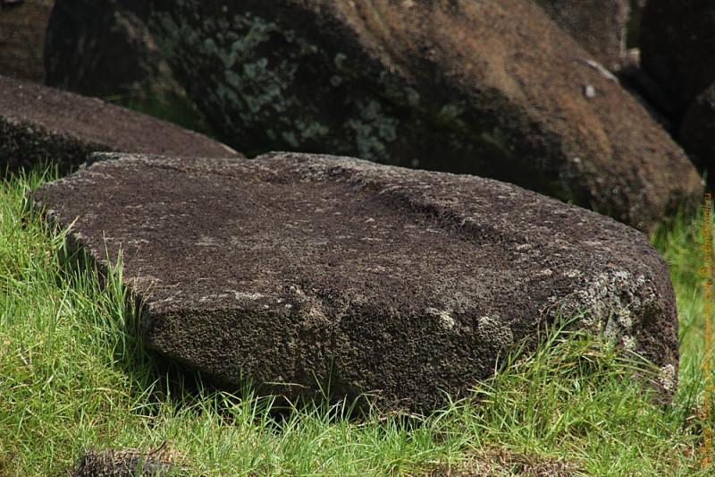 Стенной блок постамента