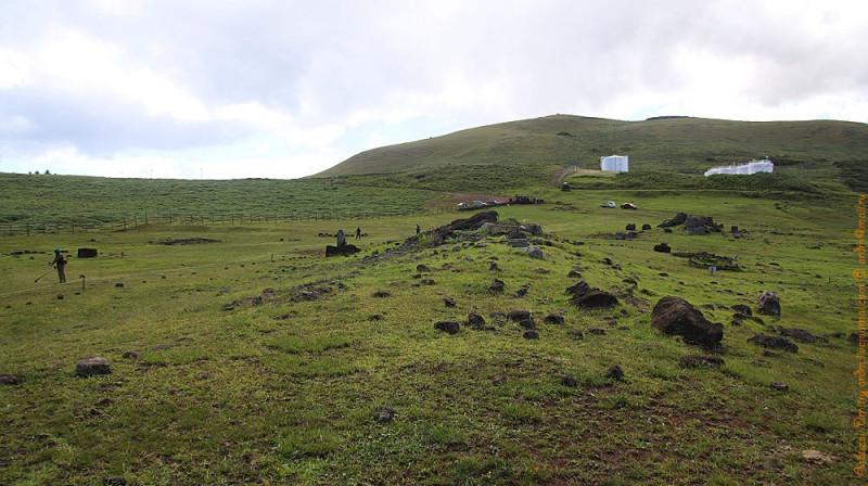 Вид на побережье в сторону вулкана Рано-Кау