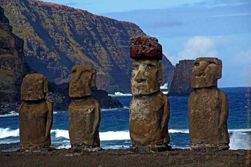 """Группа статуй Tongariki это """"визитная карточка"""" острова Пасхи"""