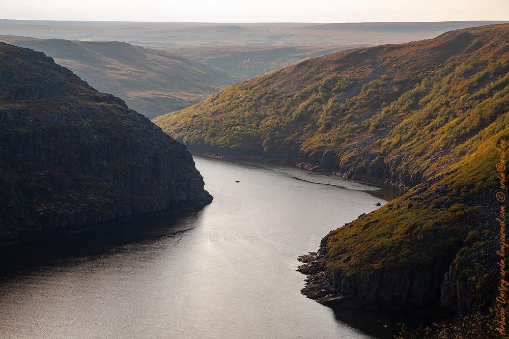 Осенний вечер на реке Орловка