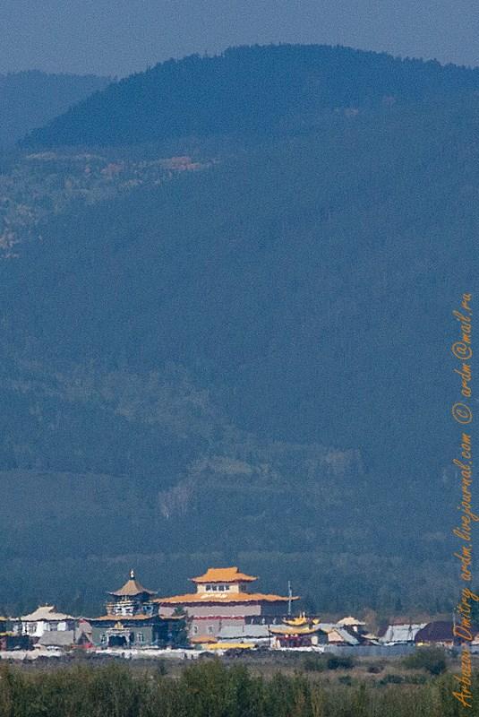Дацан и окрестные горы