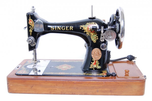 sd0190-singer-antique-electric-sewing-machine-w-case-extras-1908-immaculate-2