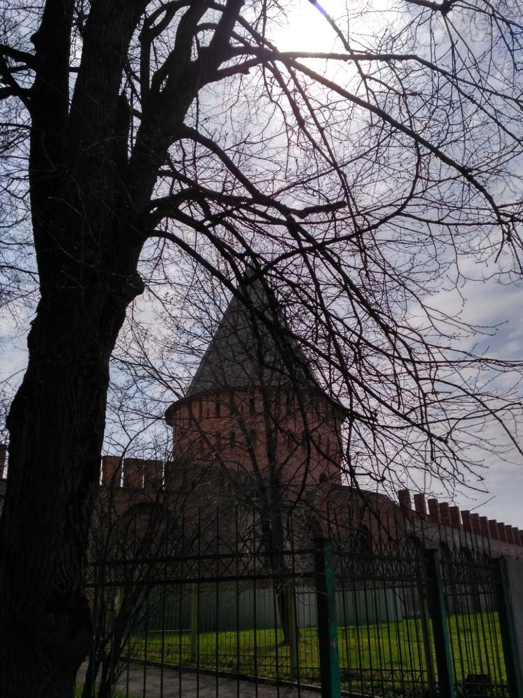 Долгачевская башня на улице Маршала Жукова
