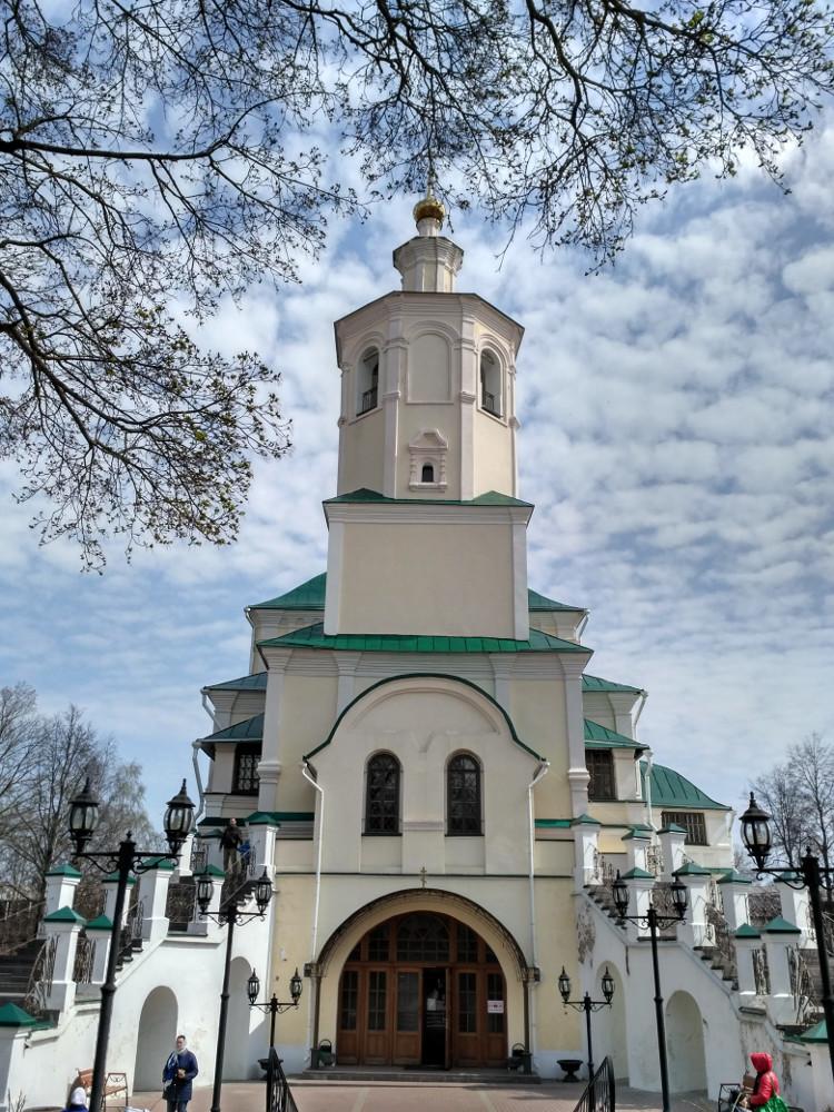 Преображенский собор (замыкает улицу Тимирязева)