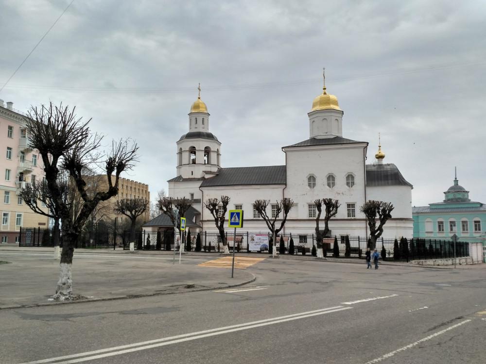Вознесенский собор (угол улиц Пржевальского и Коненкова)