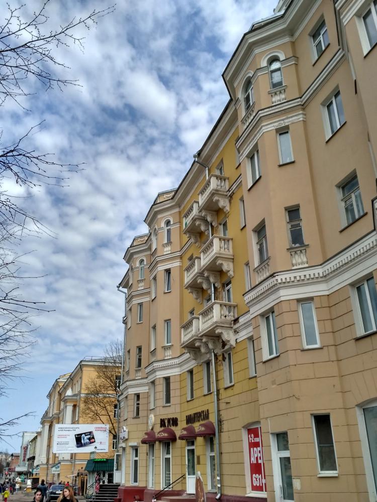 Симпатичные сталинки на проспекте Гагарина