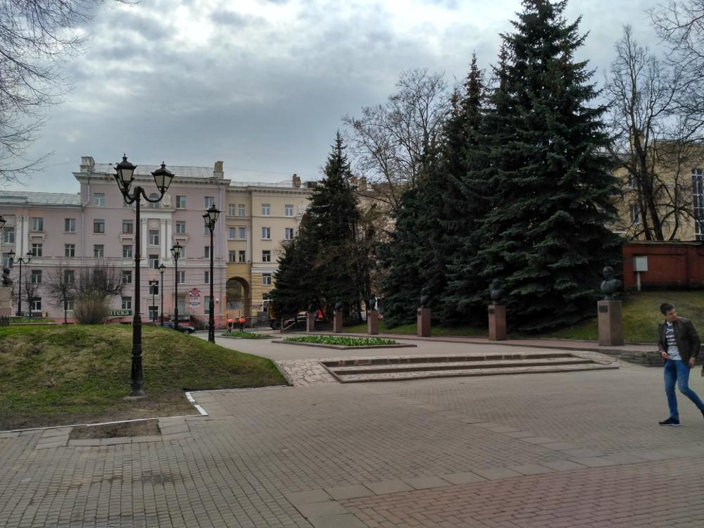 Сквер Героев и улица Дзержинского