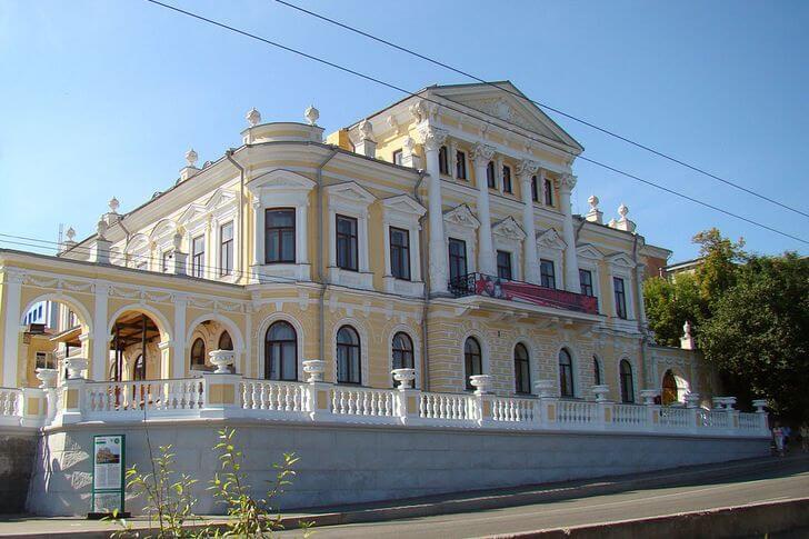 Ещё один красавчик – дом Мешкова. Сегодня – пермский краеведческий музей (фото с сайта top10.travel)