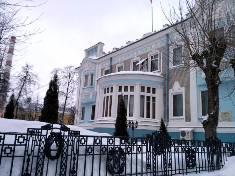 Усадьба самого богатого ивановского фабриканта Маракушева (1909-1911 гг.) служит домом для Областной думы