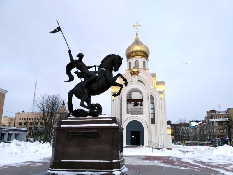 Георгиевская церковь на площади Победы (2012 г.)