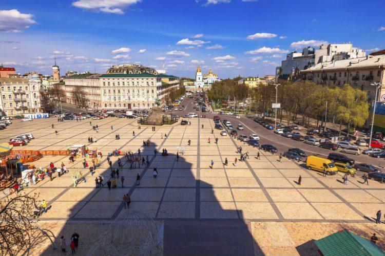Софийская площадь. Фото с сайта tripzaza.com