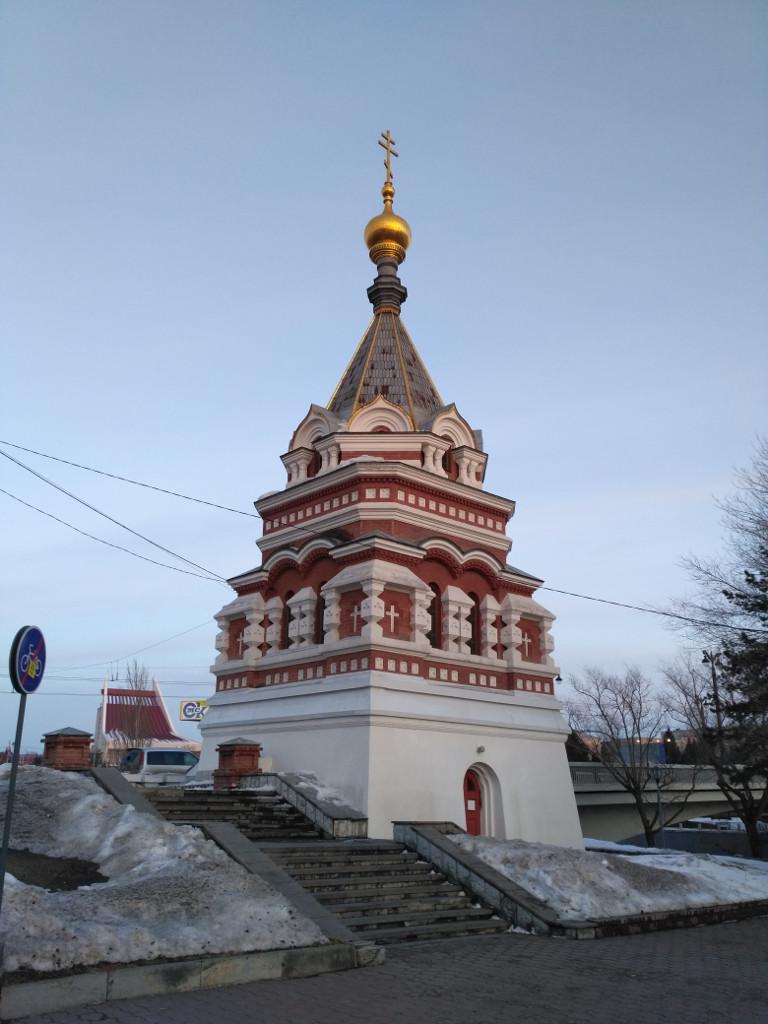 Кстати, Музыкальный театр на заднем плане стоит на месте первой Омской крепости. Но об этом – позже…
