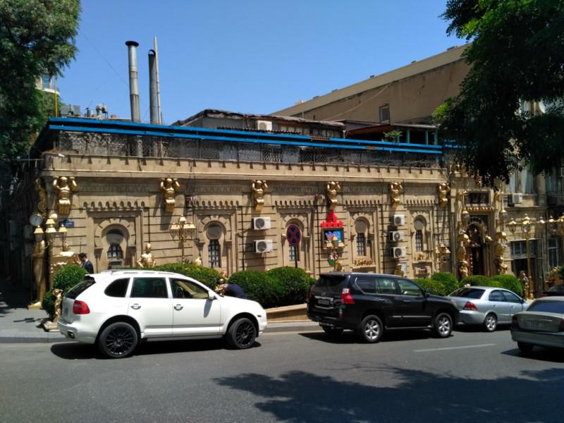 """Или вот – семизвездочная """"золотая""""… общественная баня (хамам). Справедливости ради – это единственное такое здание в городе"""