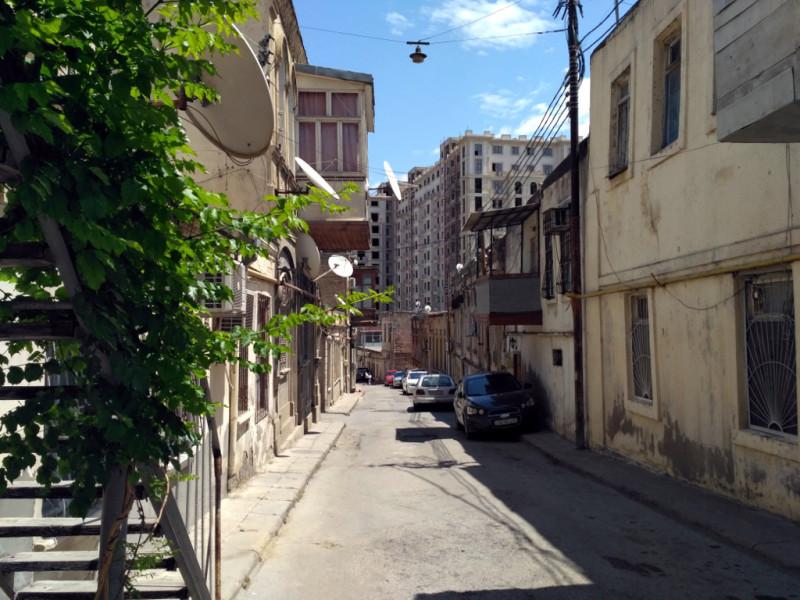 Остатки старого Баку. Недолго им…