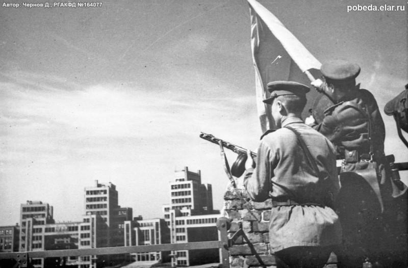 23 августа 1943 года. Фото с сайта pobeda.elar.ru