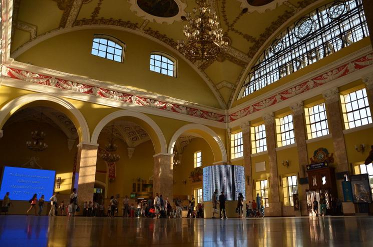 Грандиозный главный зал Южного вокзала.Фото с сайта kh.depo.ua