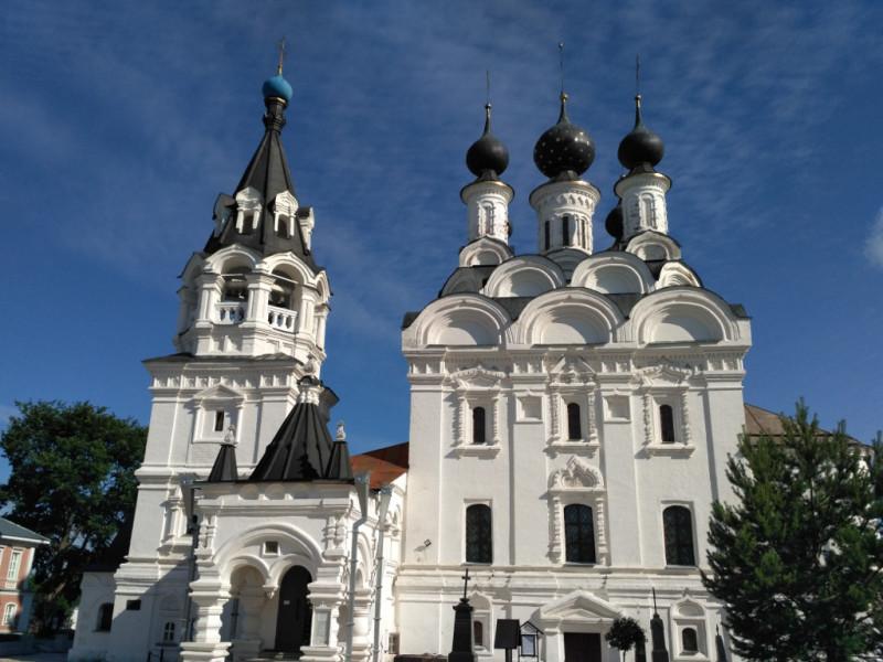 А это уже Благовещенский собор мужского Благовещенского монастыря