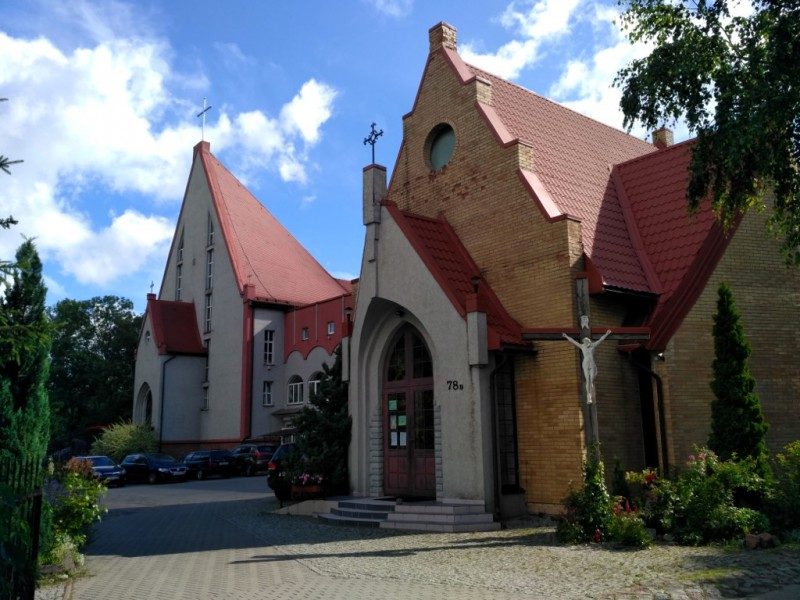 Католический костел Святого Адальберта