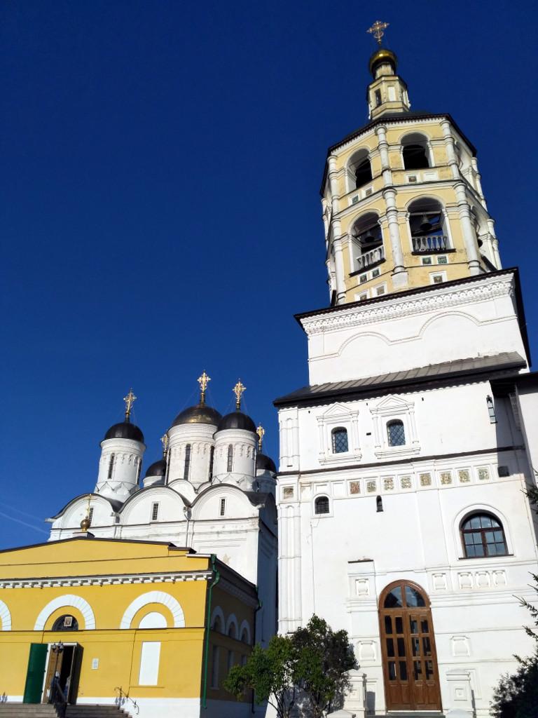Собор Рождества Богородицы и монастырская колокольня