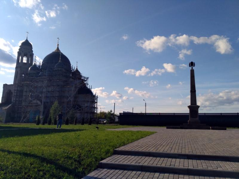 """Вы, конечно, заметили знак """"Боровск – город воинской доблести"""" на площади у собора?"""
