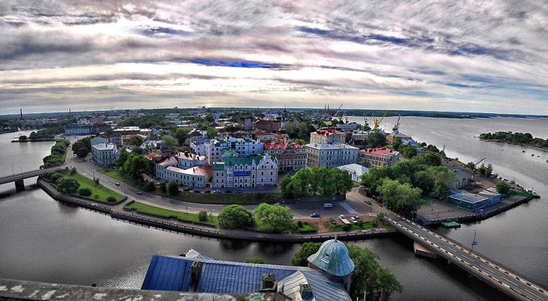 Вид на центр Выборга с башни Святого Олафа (фото с сайта fotonostra.ru)