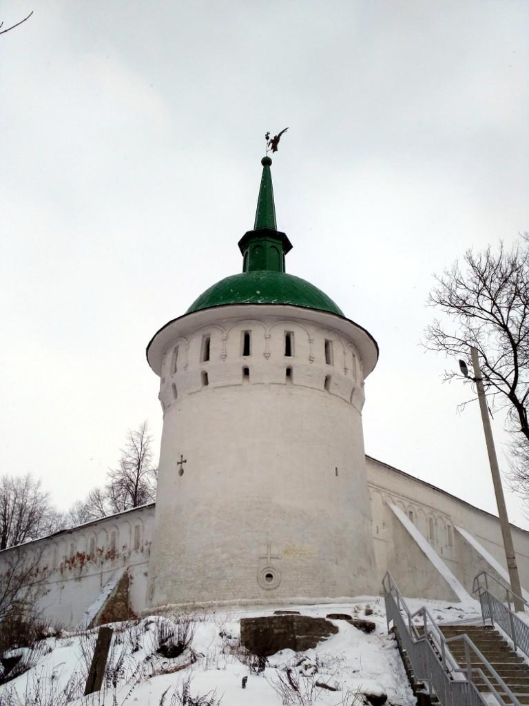 В XVII же веке Александровский кремль превратился в мощную крепость, окончательно обретя современный вид