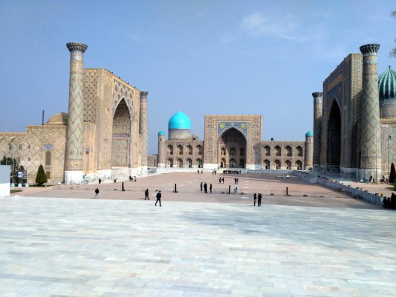 Самый узнаваемый вид и символ Самарканда – площадь Регистан