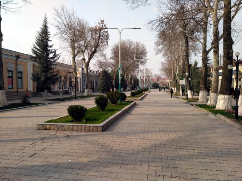 Часть дореволюционного «русского» Самарканда - пешеходная улица Алишера Навои