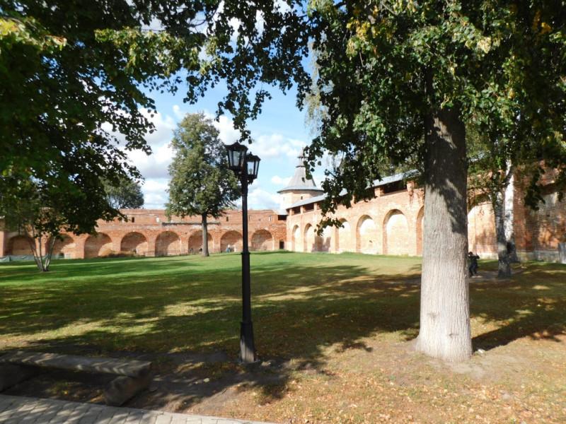 Крепостная стена и северо-западная Караульная башня