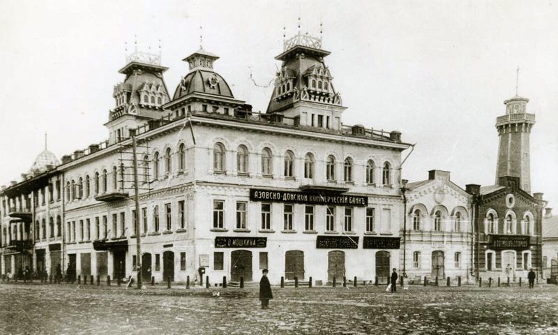 Вы будете смеяться, но это вид улицы не крупного города, а села Кимры (статус города оно получило только в 1917 году!). Фото взято с сайта kimrypress.ru
