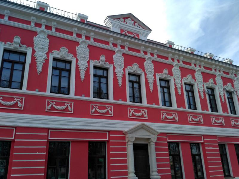 Или вот пример – дом купчихи Темятовой на углу Металлистов и Советской