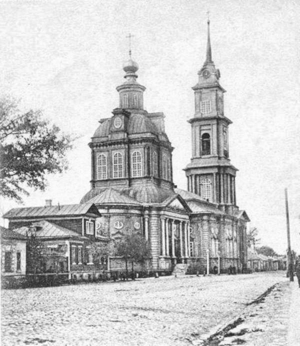 Храм Флора и Лавра в начале XX века (фото с сайта wikimedia.org)