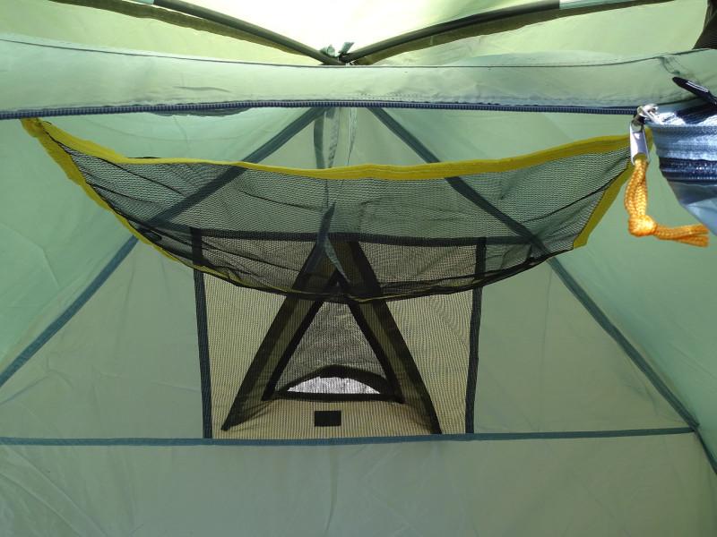 Палатка Трек 2 - окно и подвисная полочка