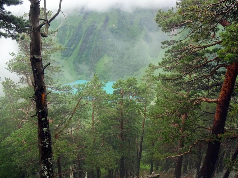 32. Вид на озеро Ачипста со склона Кочерги.JPG