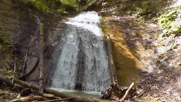 Водопад на реке Аминовка