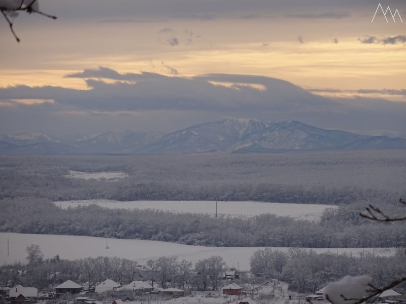 Вид на зимние горы