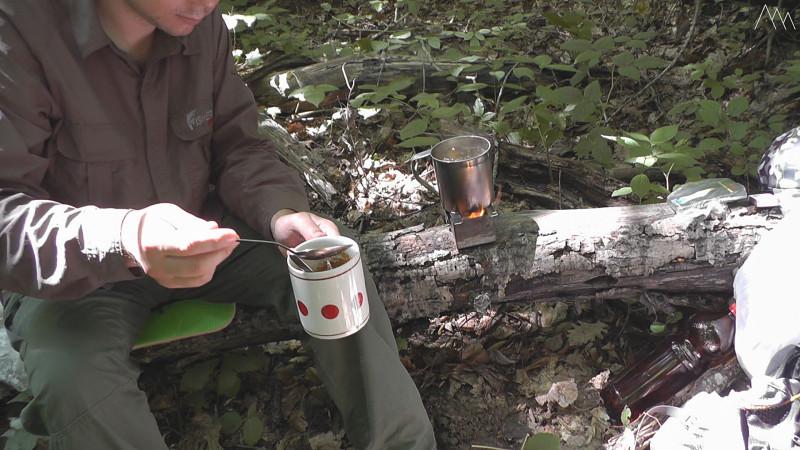 Добавляем воду в кофе