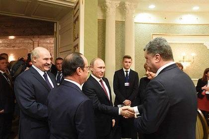 Порошенко и Путин обменялись рукопожатием в Минске2