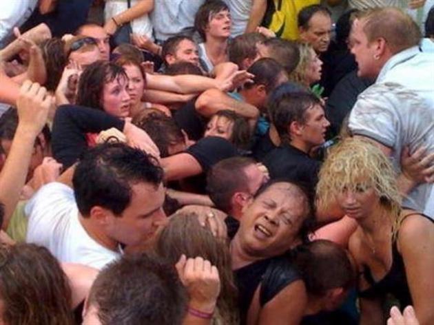 давка на рок-концерте