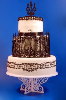 iron gate print cake