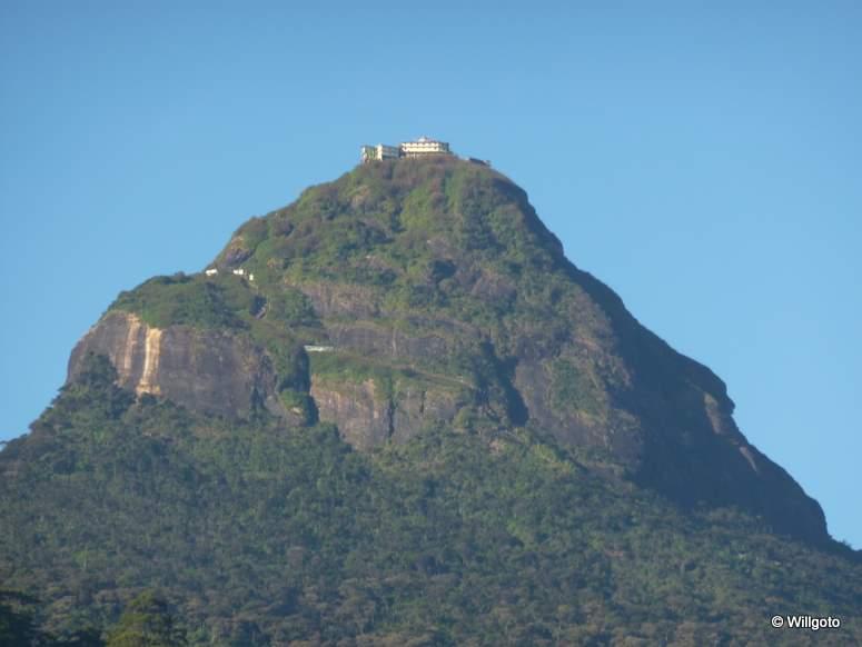 Sri_Lanka_Adam_Peak_02032_27a8053c2e96447f8a7118cc2206e081