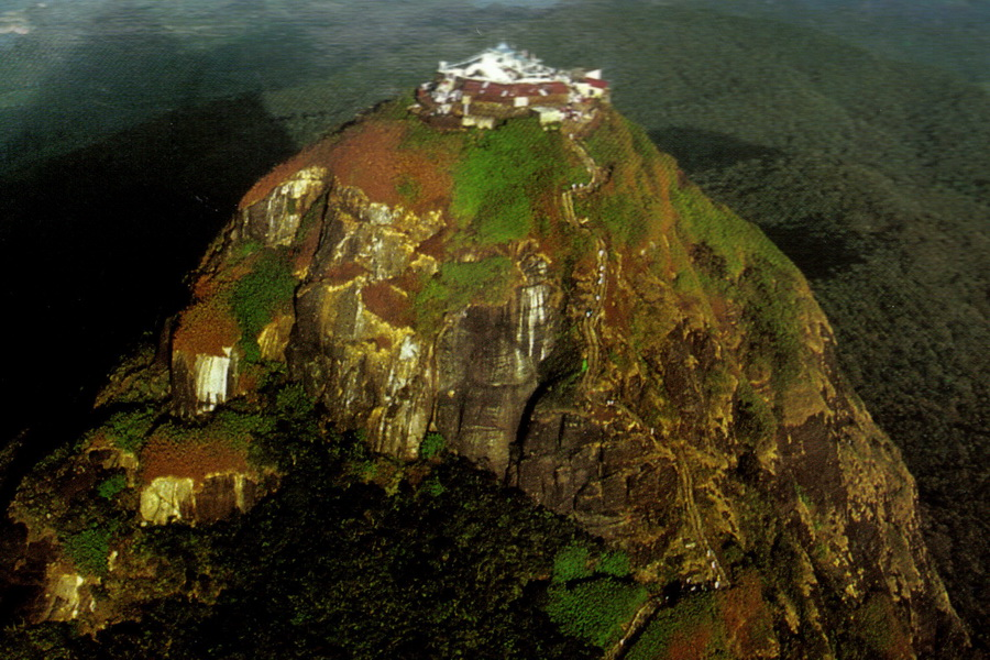 Sri-Lanka-_Adams-Peak-Luftbild