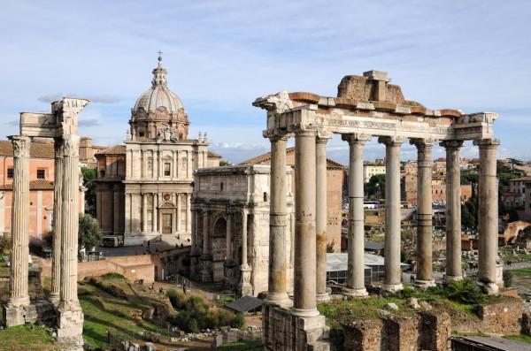 Roman_Forum_colonny_hrama_Saturna_Triumf_arc_Septimii_Sever_207