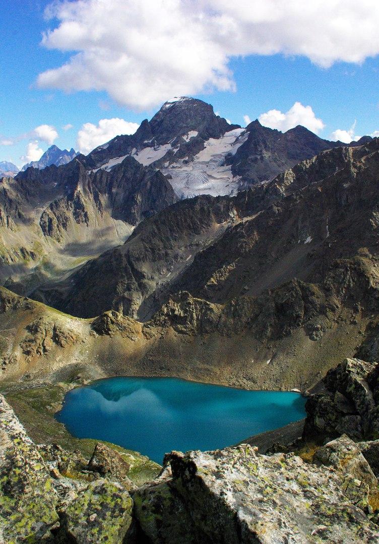 Вид на г. София . и Большое Софийское озеро