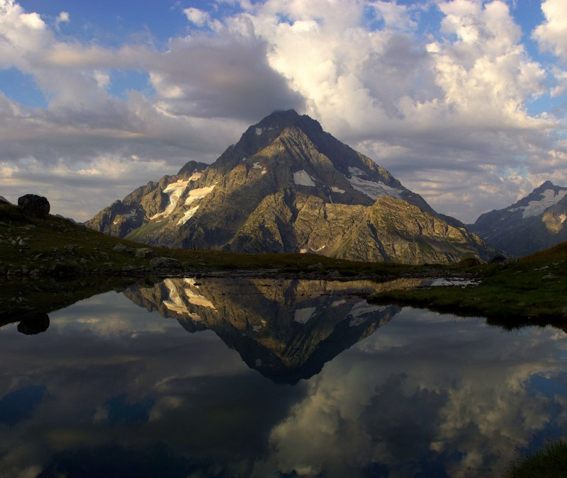 """Архыз , Софийский хребет . озеро """"Кувшинки"""", вид на г.Пшиш (3790)"""
