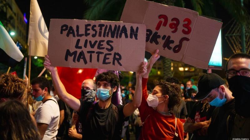 Антирасистские протесты в столице США Вашингтоне переросли в антисионистские демонстрации.